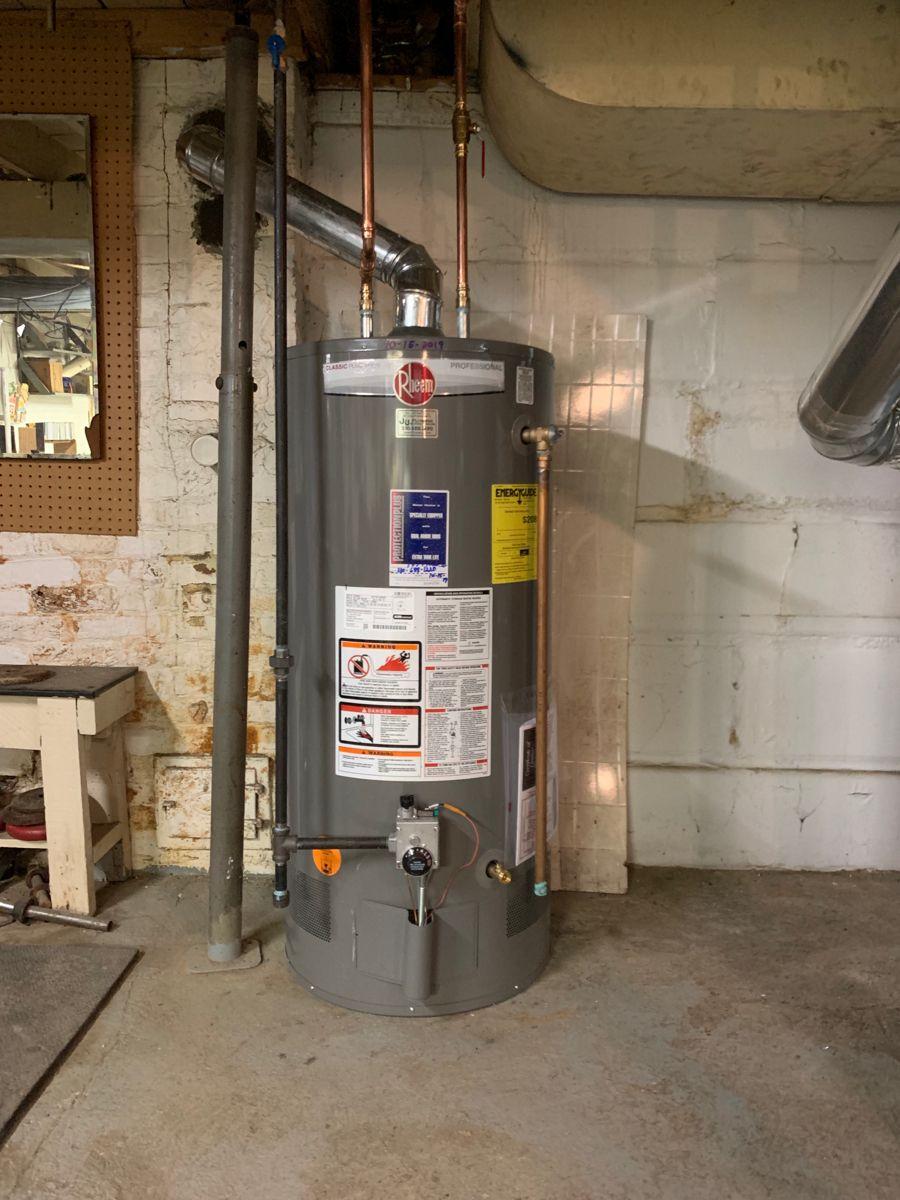 Free 40 Gallon Rheem Standard Hot Water Heater In 2020 Hot Water