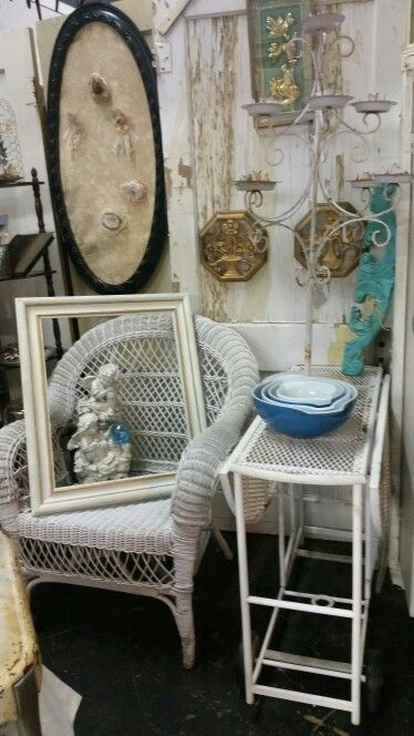 Wicker and shabby cottage is t g w theme here.