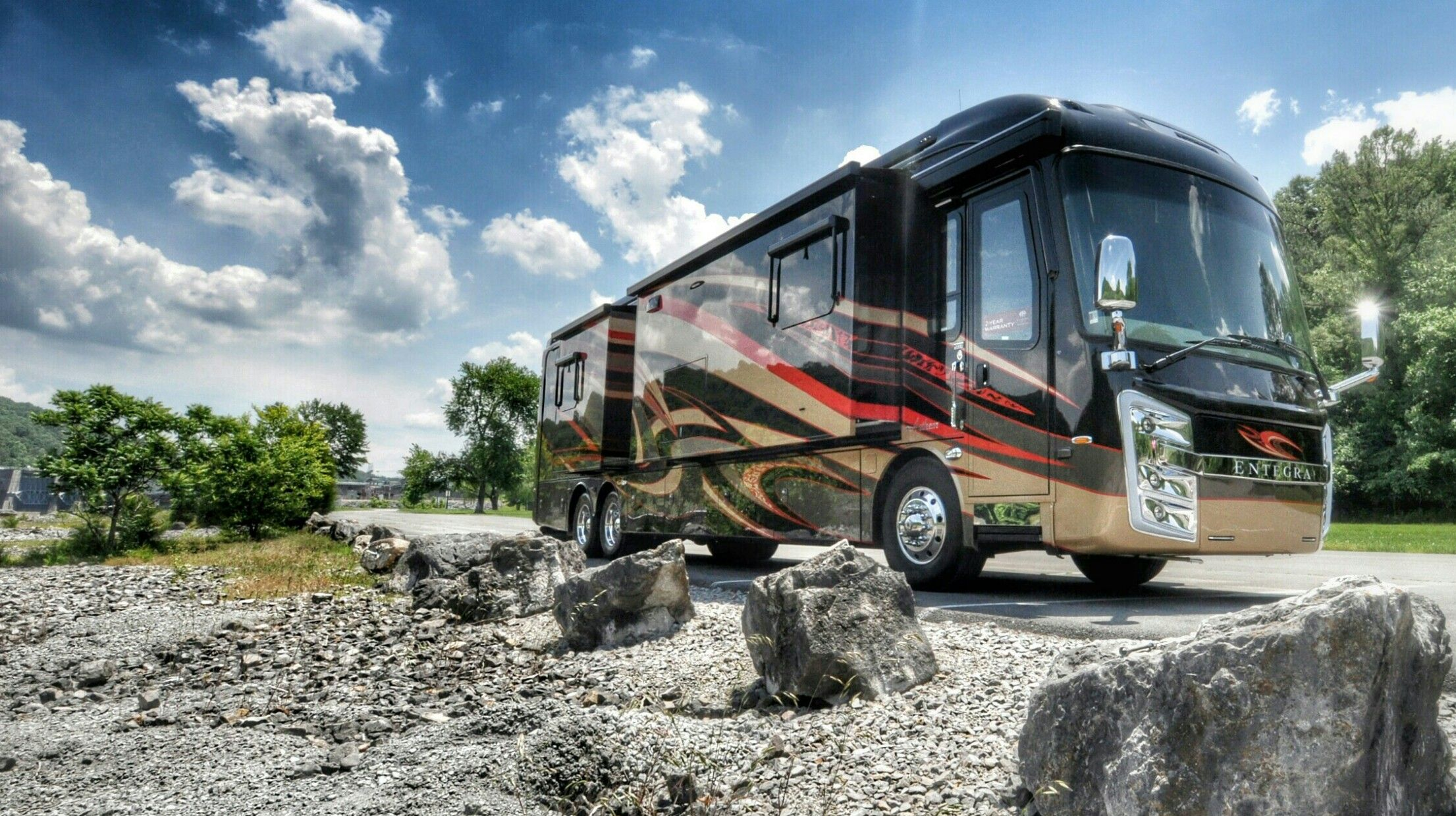 This 2017 Entegra Anthem 44b Will Make Heads Turns With Its Stunning