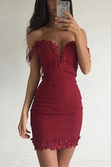 woow!I LOVE THISSS RED DRESS! WHO'S WITH ME?