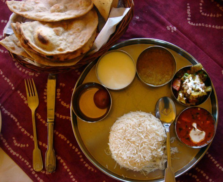 Setting Table For Indian Food Veg Thali Indian Food Recipes Table Settings