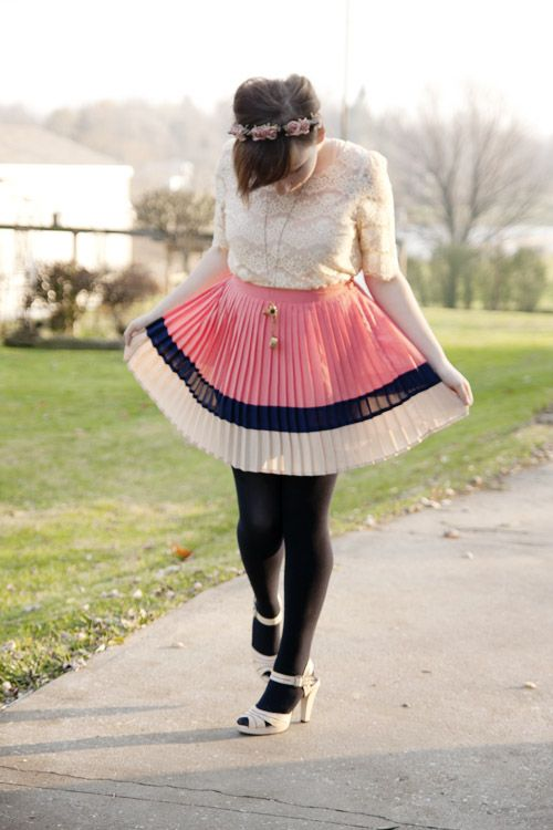Pink/Neutrals/Navy - Jessica of the Midwest Muse---I just got a skirt very similar to this at JC Penney