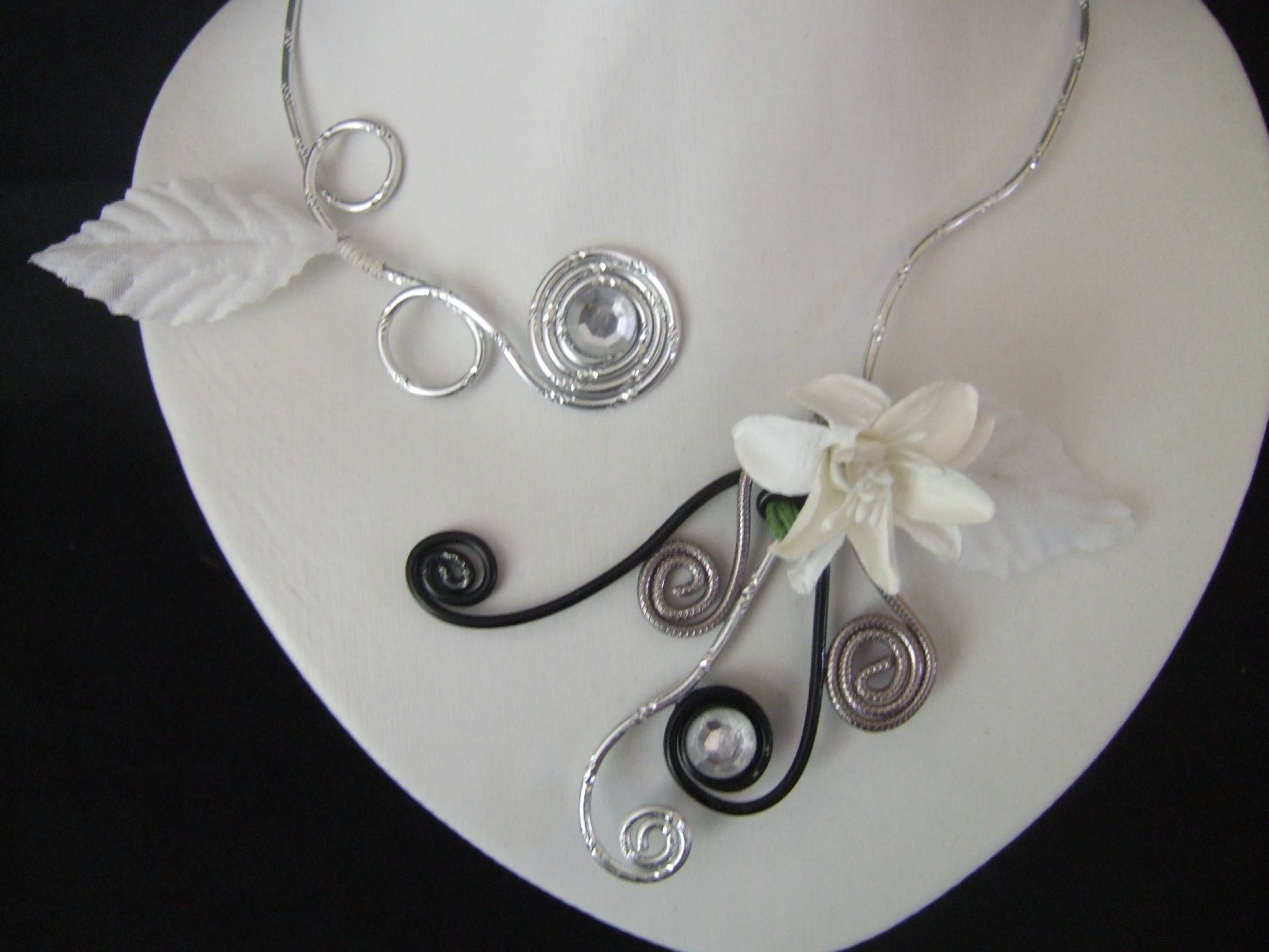 bijoux fil aluminium