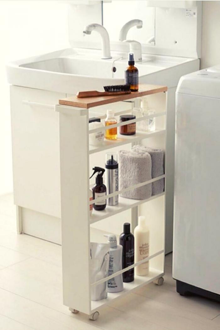 Modern Bathroom Storage idea