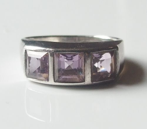 Amethyst Vintage Sterling silver ring great condition! size 6