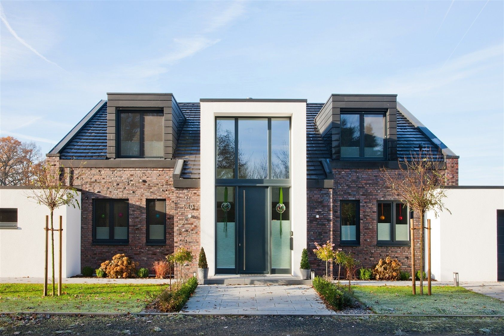 Frontansicht haus pinterest architektur h uschen for Minimalismus hausbau