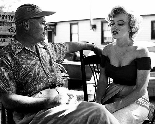 Directory Henry Hathaway and Marilyn on the set of 'Niagara'
