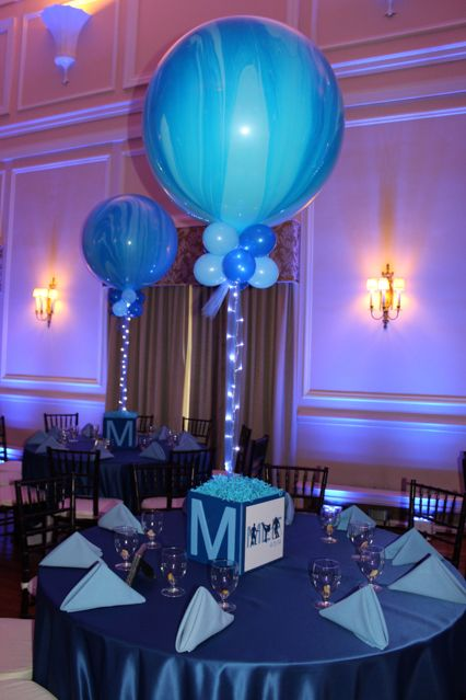 Photo Cube Centerpiece with Marble Balloons party Pinterest