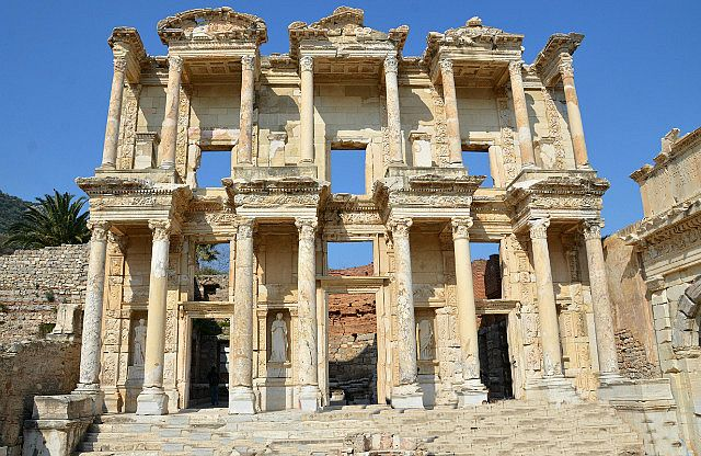 ) http://www.TravelPod.com - The Library of Celsus in ancient city of Ephesus by TravelPod member Momentsintime, from Selcuk, Turkey