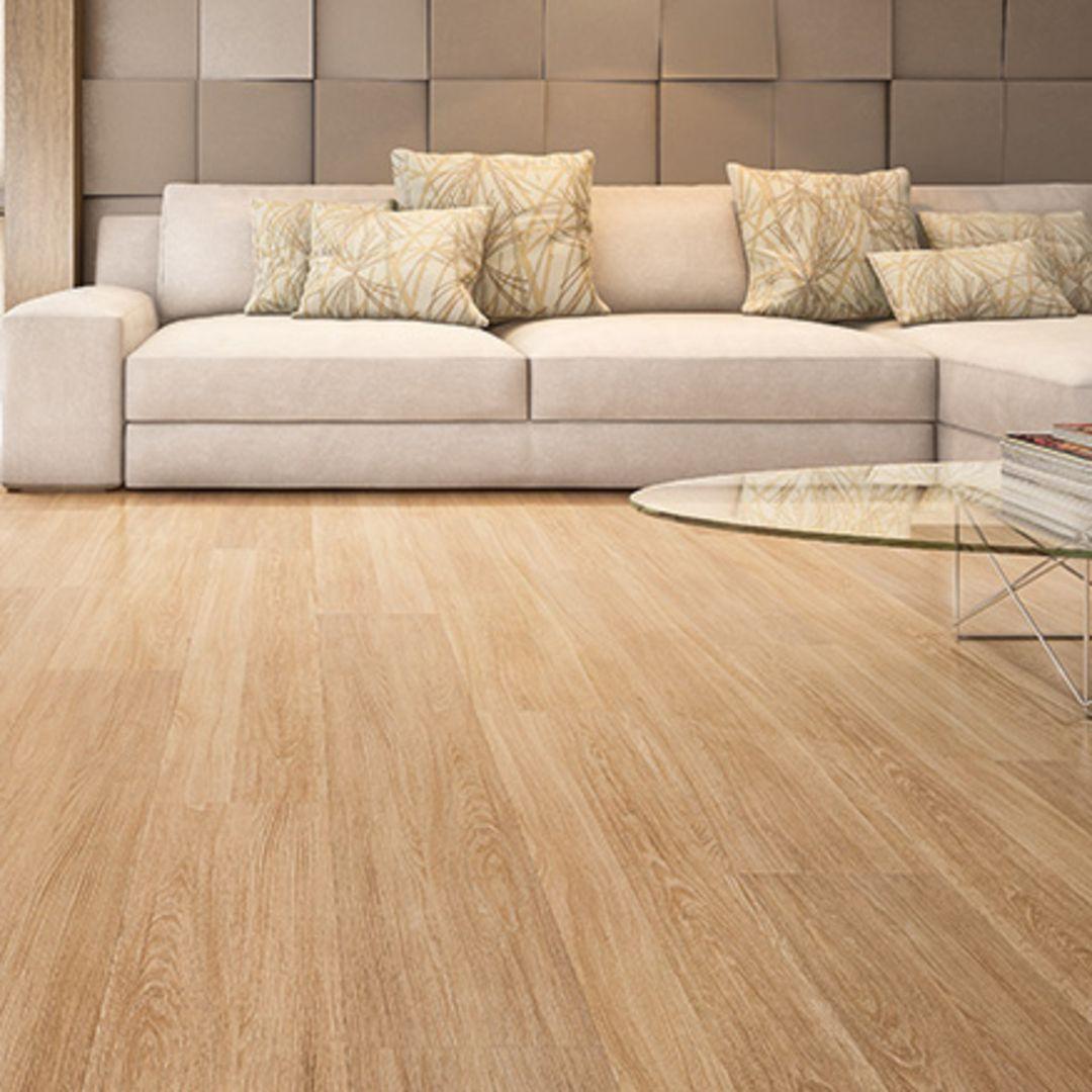 Mais praticidade e charme? Sua #casa pode ter um #piso maravilhoso como este! #MadeiraMadeira #pisolaminado #design #decoração