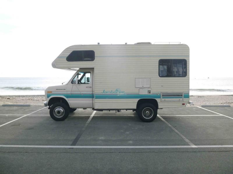 Fleetwood Jamboree Searcher Class C RV 4X4 | River Daves