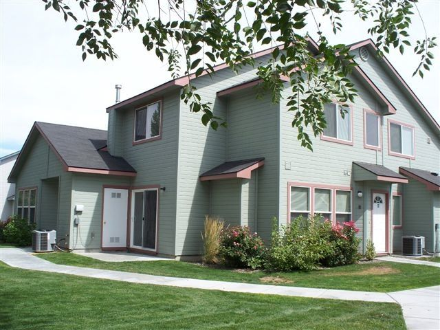 Locust Townhomes Nampa Id With Images Apartment Communities