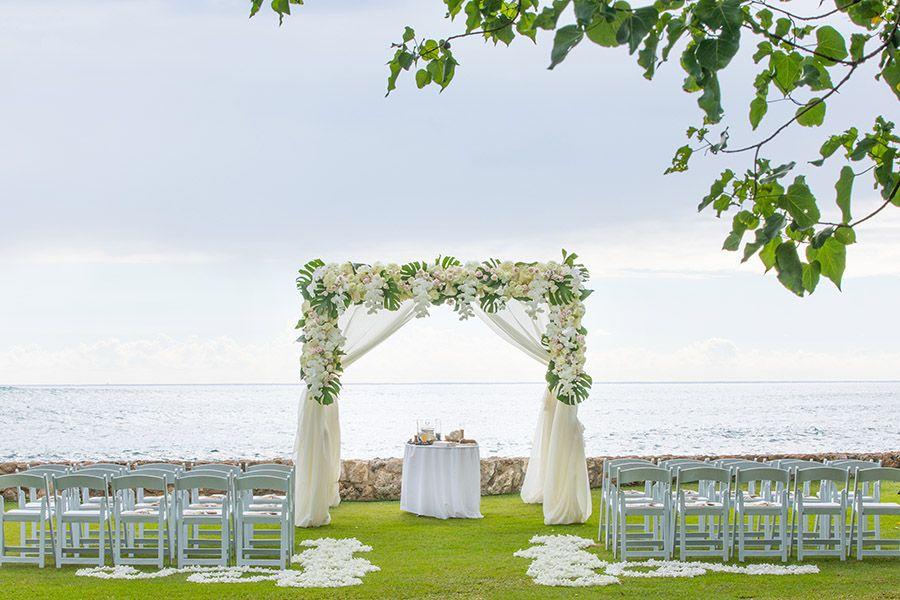 Breathtaking Ceremony Views From Lanikuhonua At Aulani A Disney Resort Spa Disney Wedding Venue Aulani Wedding Disney Wedding