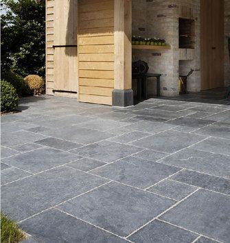 Natuursteen Terrastegels Aanbieding.Aanbieding Natuursteen Terras Vietnamees Hardsteen Gothic
