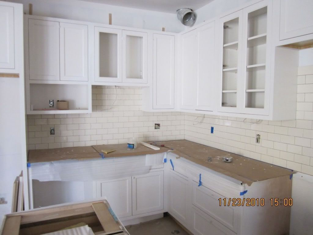 Kitchen cabinets pulls vs knobs most residences have the kitchen cabinet as their focal point of appearance