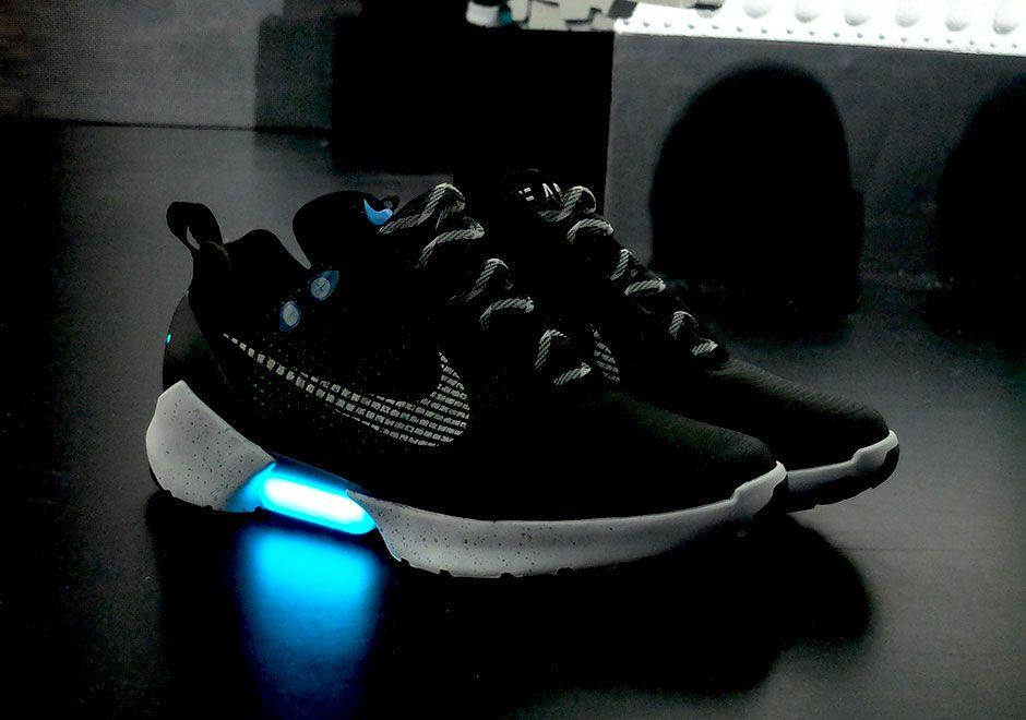 pala Marco Polo Dos grados  Nike HyperAdapt EARL Power-Lacing Shoes | SneakerNews.com | Nike, Shoe  laces, Lacing sneakers