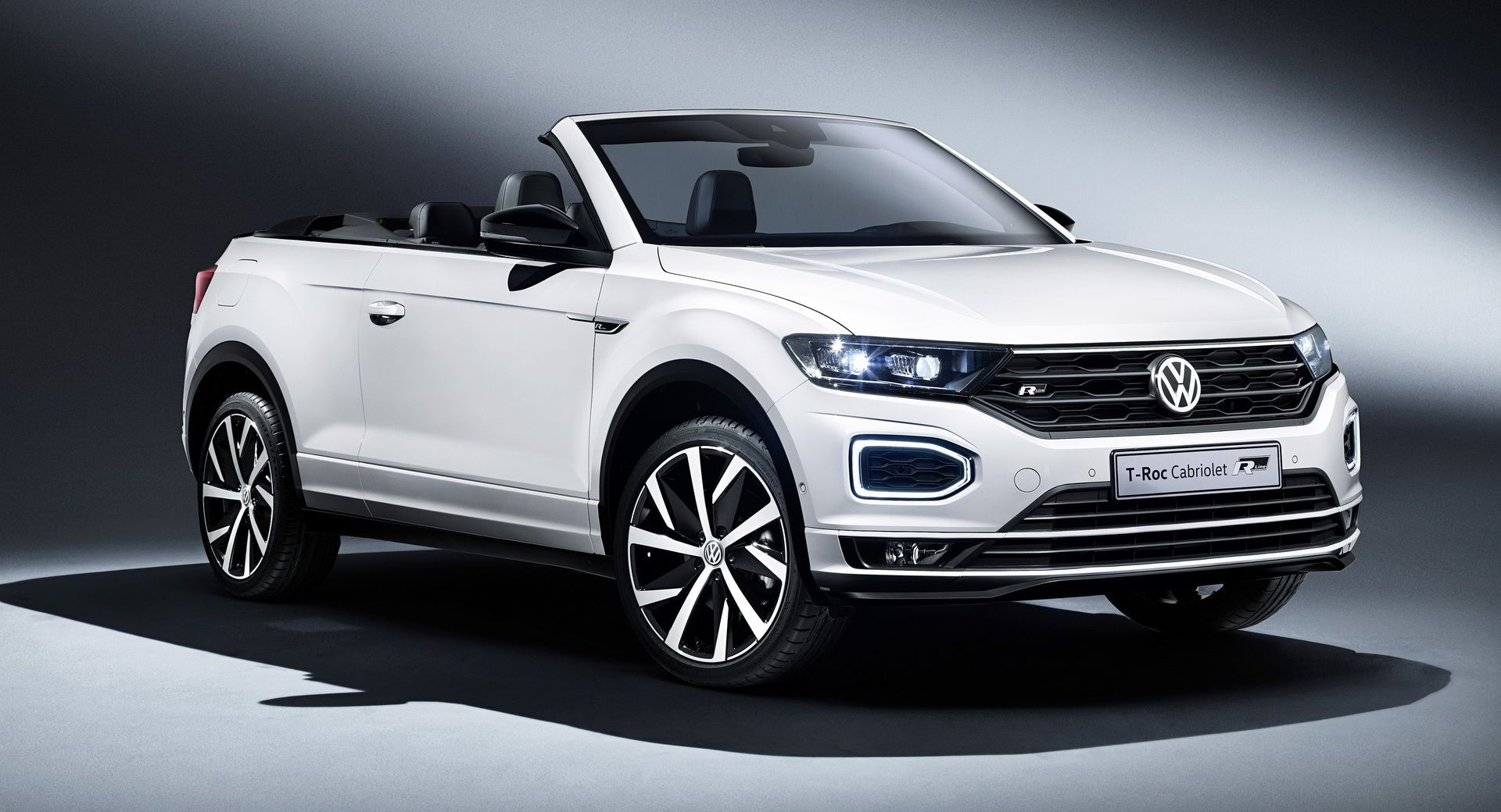 2020 Vw T Roc Cabriolet Available Now In The Uk Priced From 26 750 Newcars Prices Uk Vw Vwt Roc Cars Cars In 2020 Volkswagen Convertible Cabriolets Volkswagen