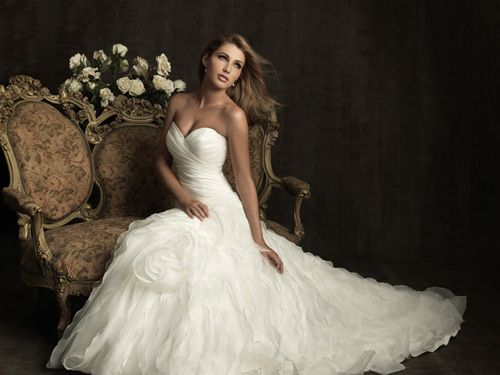 #1 White Ruched & Ruffled Organza Strapless Sweetheart Drop Waist Wedding Gown - Unique Vintage