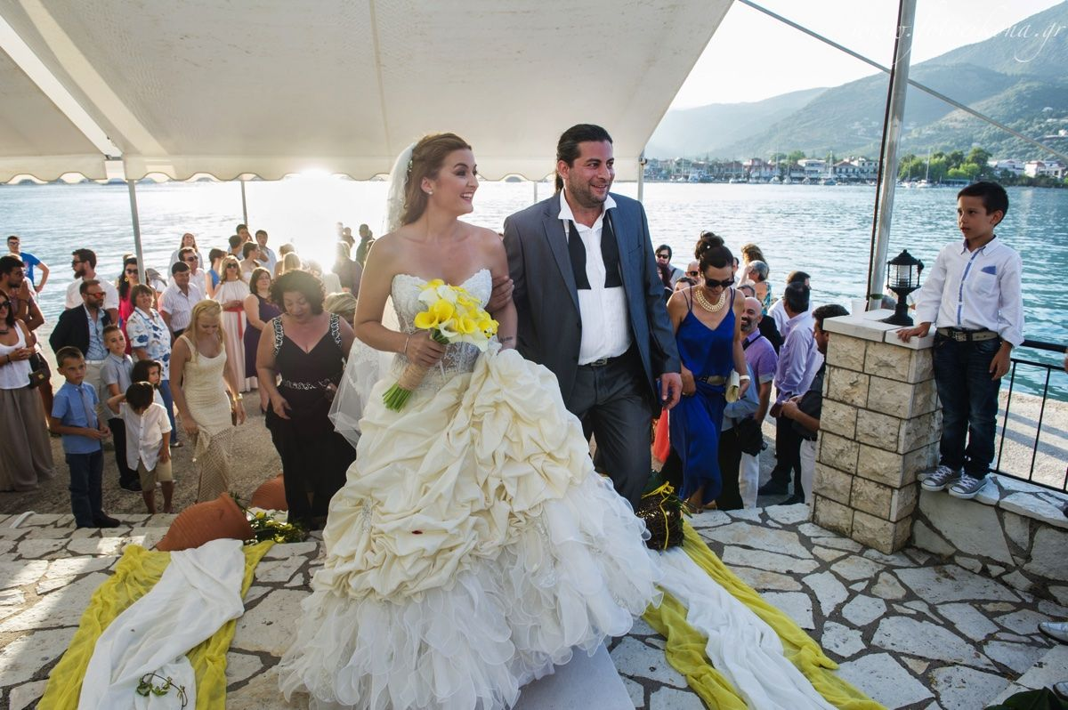 Lively Couple Lovely Wedding Photos Agia Kyriaki Church Nidri Lefkas Ionian Greece