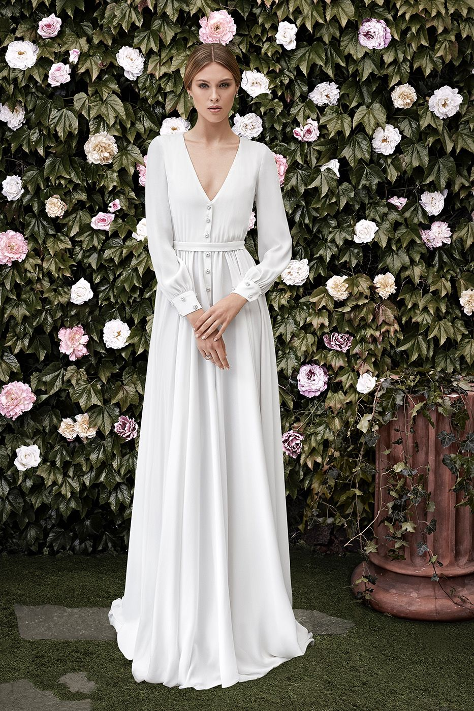 Pin By Say Yes With Betty Beebe On Modest Dresses Wedding Dresses Lace Wedding Dress Long Sleeve Wedding Dresses Simple