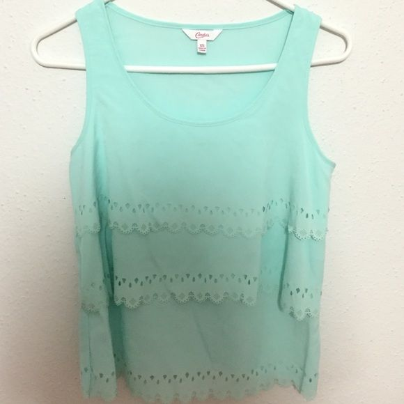 Candie's lace scalloped tank Barely worn! Minty blue scalloped tank top that can be worn casually or with a cute blazer! Size XS but fits like a S. Candie's Tops Tank Tops