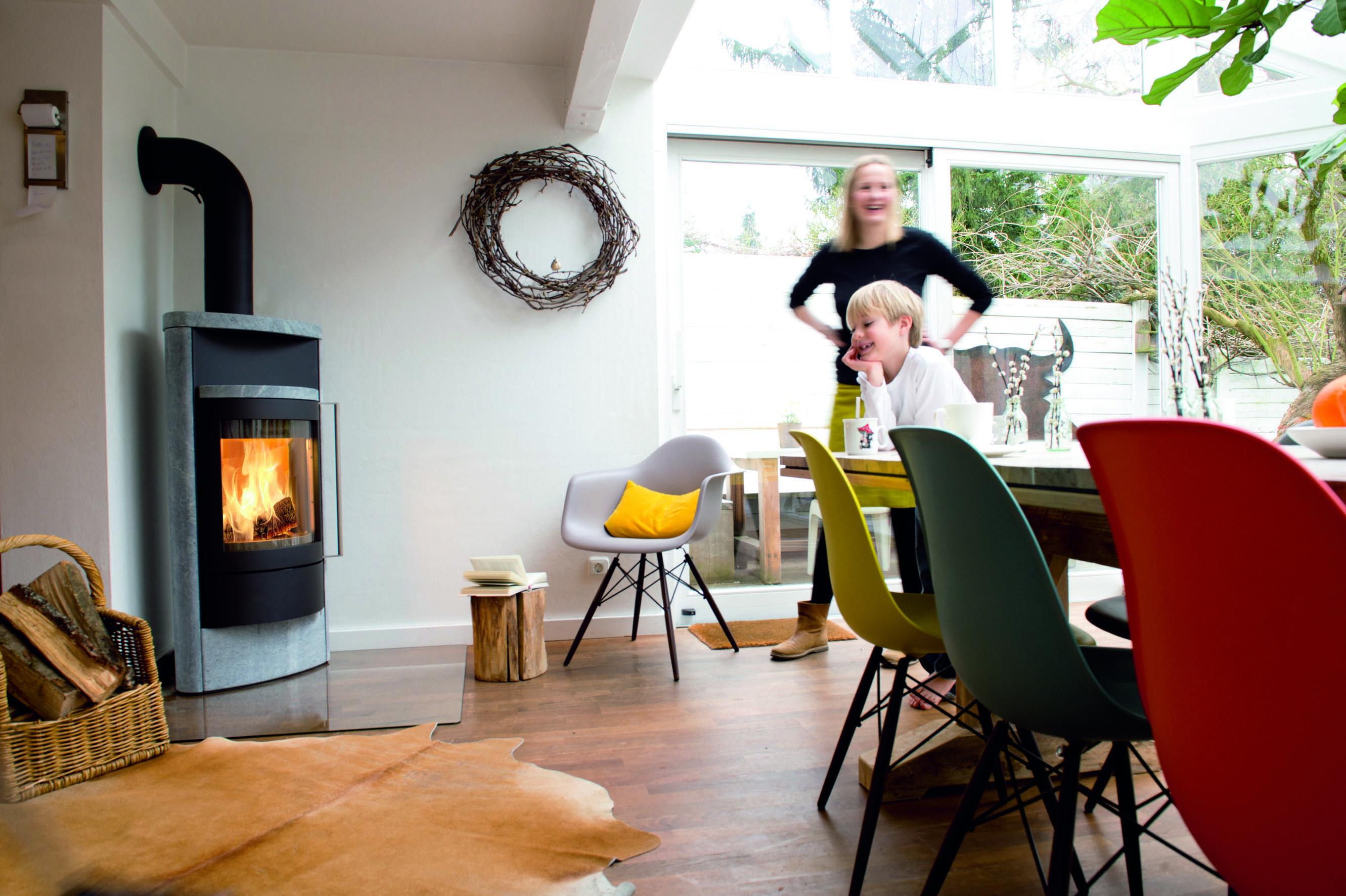 Hase Kaminofen Luno ein kaminofen ist modern und macht ein zuhause gemütlich neben dem