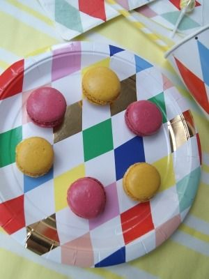 Harlequin Plates - 8 large paper plates with a classic Harlequin pattern embellished with gold foil to give it extra sparkle. Perfect for a circus party ... & http://www.jellyandblancmange.co.uk/acatalog/Party_Tableware.html ...