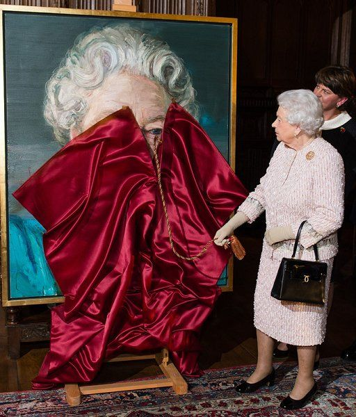 Queen Elizabeth visited Crosby Hall in London