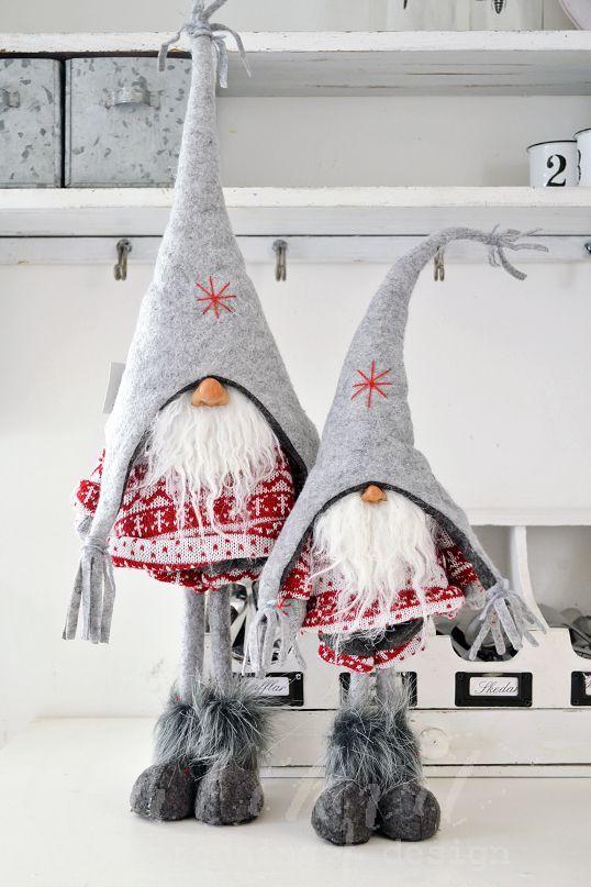Ecco come realizzare dei magici folletti di Babbo Natale da regalare ... 18ee8f9933d4