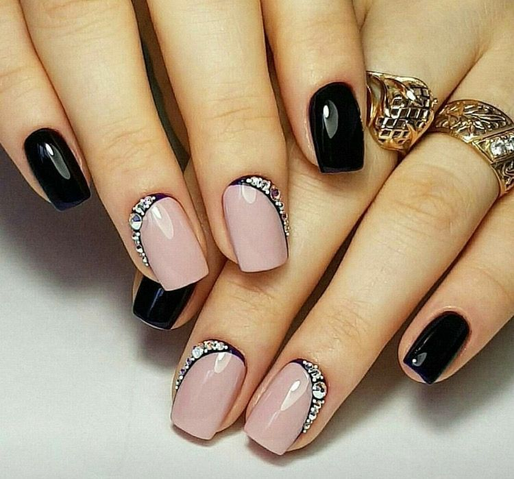 Pin by Kim Hutchison on Nails 2 | Pinterest | Silver glitter nails ...