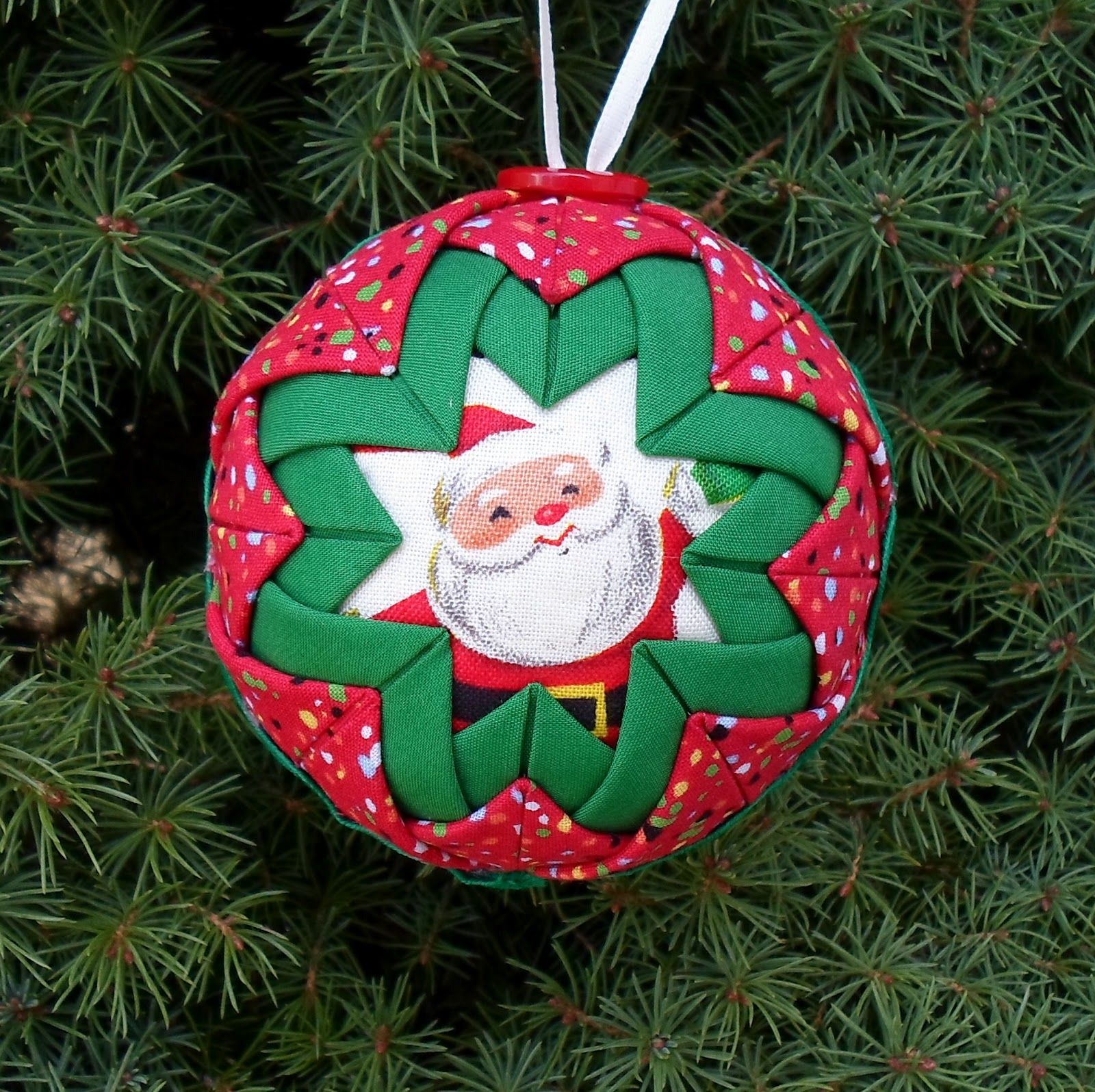 Folded fabric christmas ornaments patterns - Free Folded Star Ornament Pattern Quilted Christmas Ball Ornament Directions Http Happierthanapiginmud