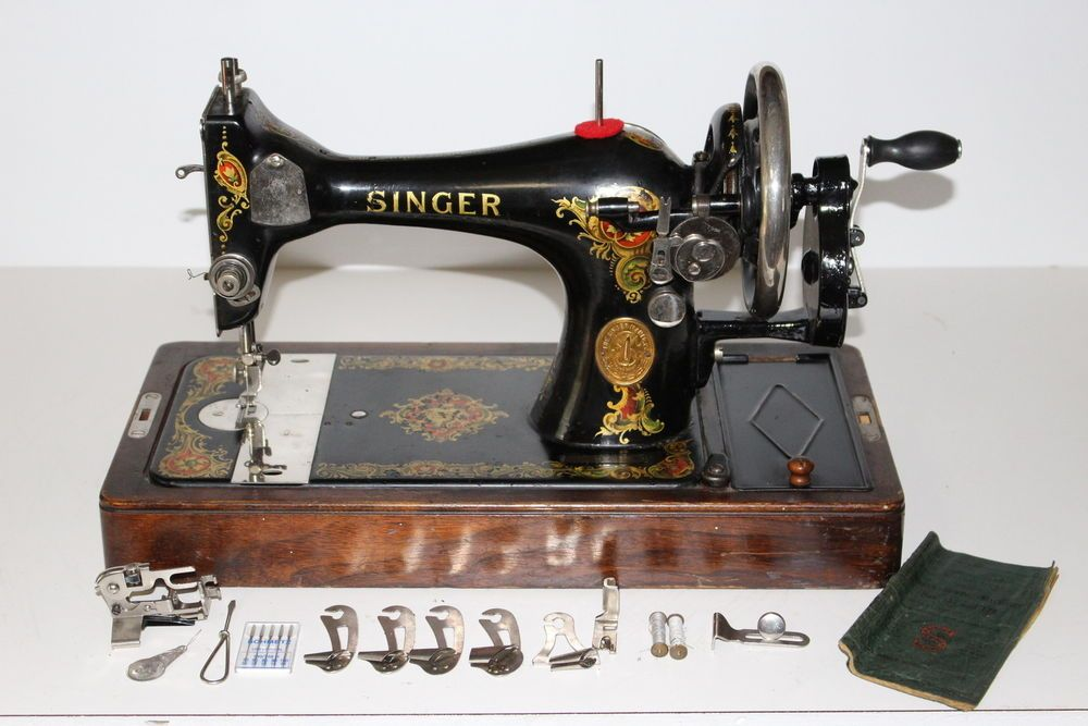 40 SINGER 40 Hand Crank Sewing Machine With Base Accessories Classy 1921 Singer Sewing Machine