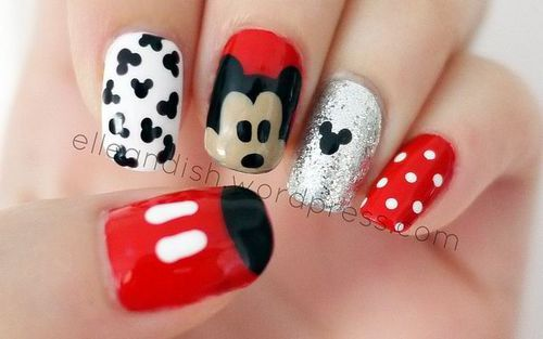 Mickey mouse nails