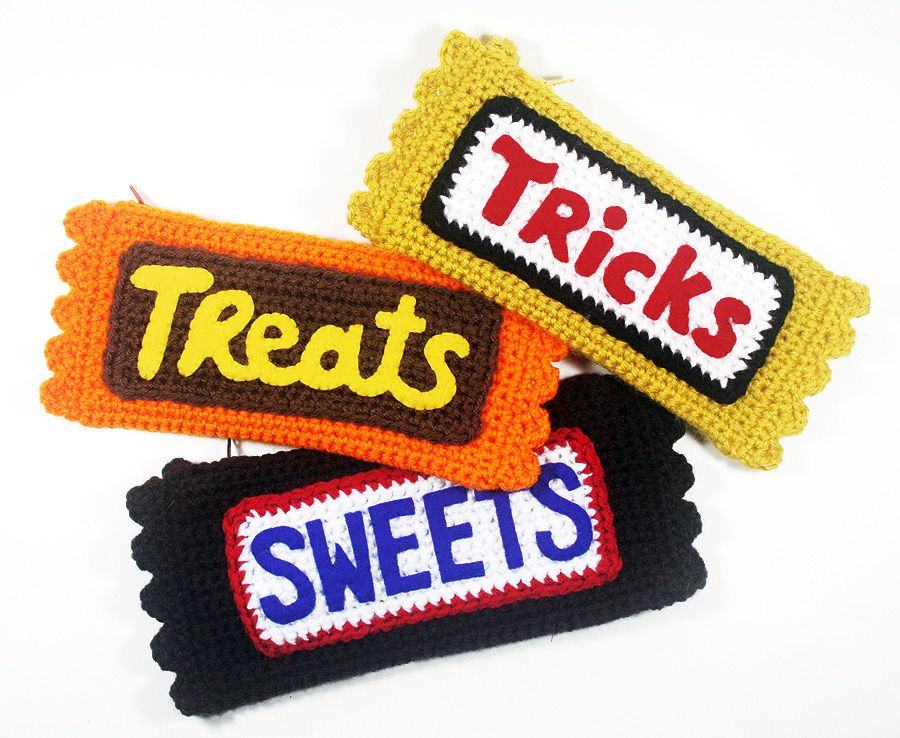 Free Crochet Pattern at Michaels Candy Bar Clutches (Twinkie - halloween michaels