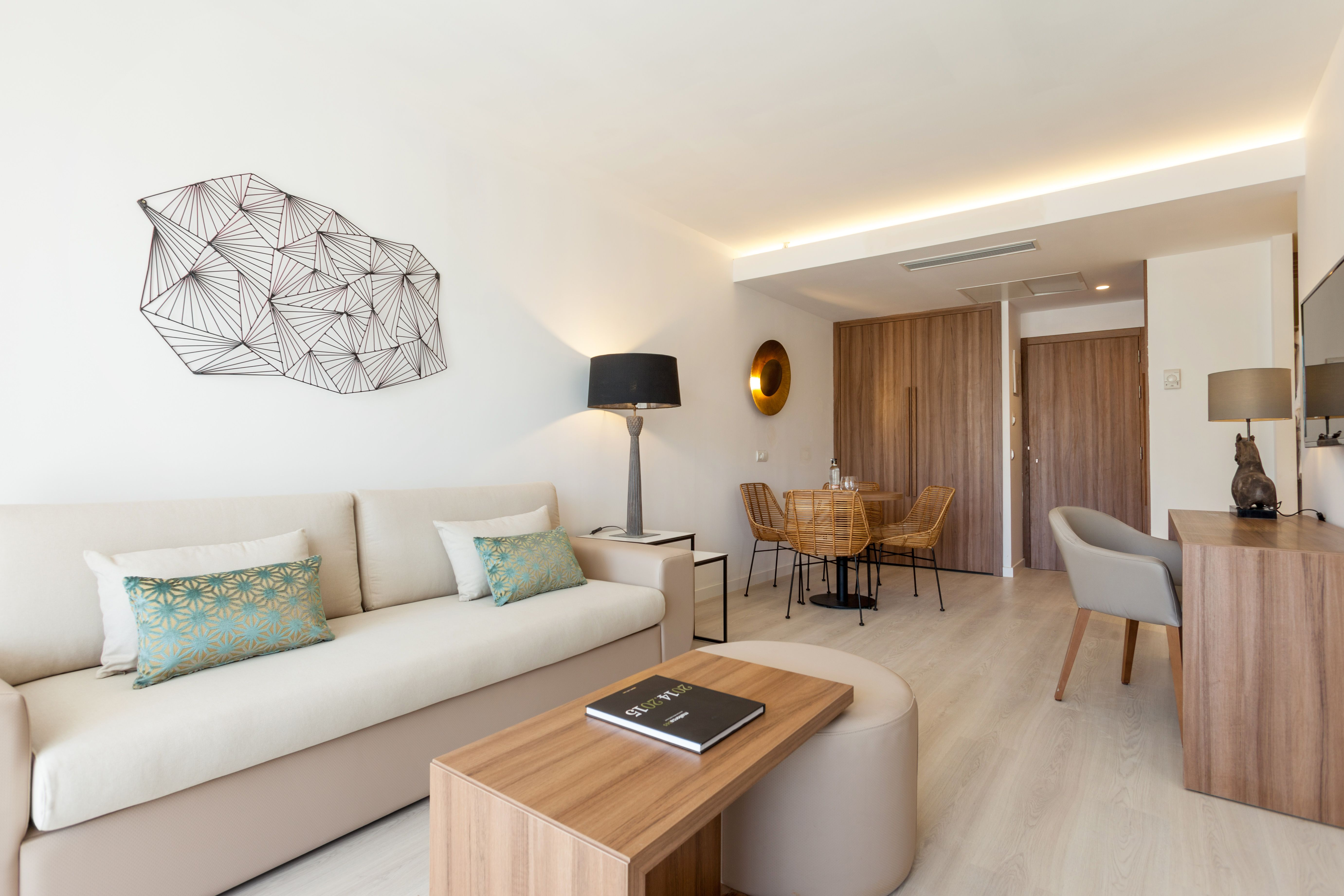 Zafiro Swim Up Suite Zafiro Palace Alcudia Pinterest Palace ~ Muebles Rey Espacio Mediterraneo
