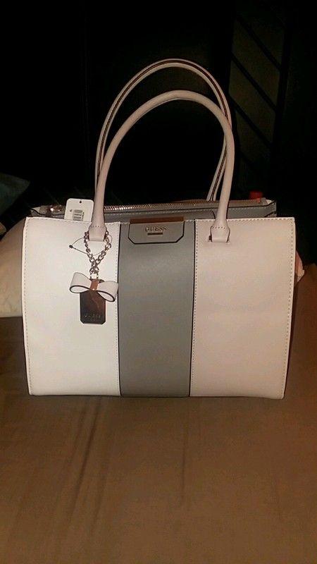 e74e65bb10ac Original GUESS purse