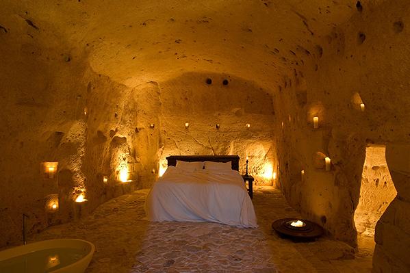 Un Hotel Troglodyte En Italie Grotte Gite Insolite Hotel Pouilles