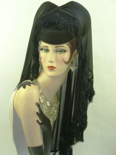 7682b8cac59 VINTAGE-HAT-1940s-LILLY-DACHE-BLACK-FELT-PILLBOX-MANTILLA-VEILED-MOURNING- HAT