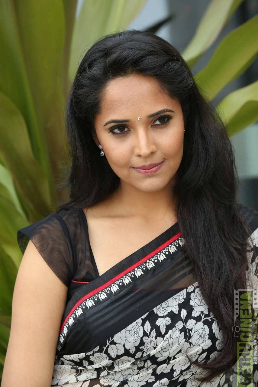 Anchor Anasuya Bharadwaj latest gallery Saree, Long hair