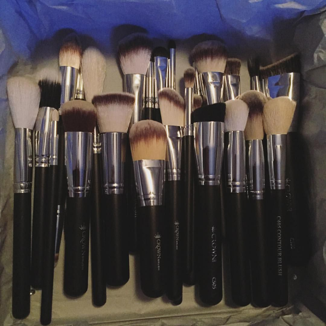 """Restock on my favorite makeup brushes  @crownbrush"""