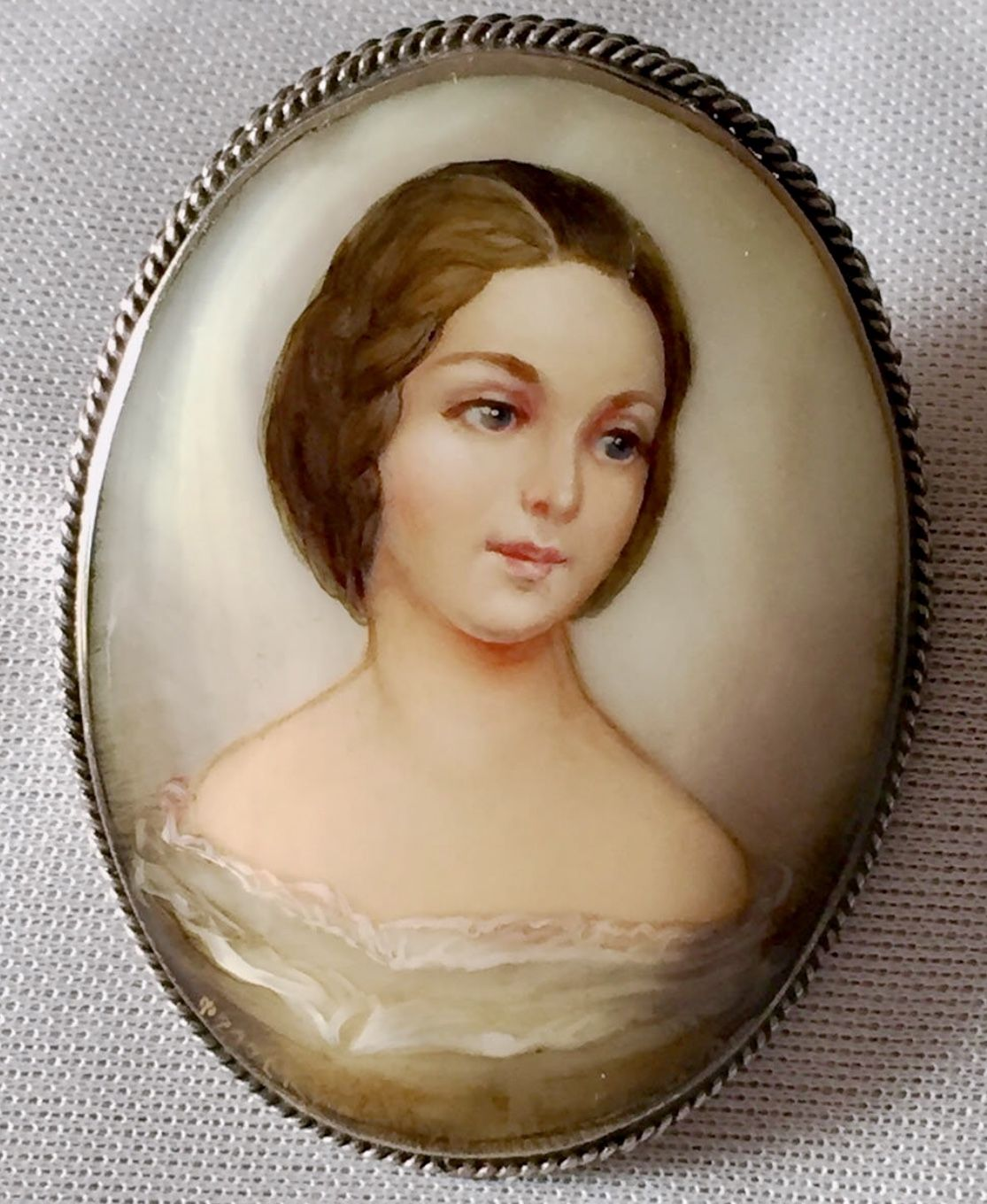Russian Fedoskino Mother of Pearl Brooch My Personal