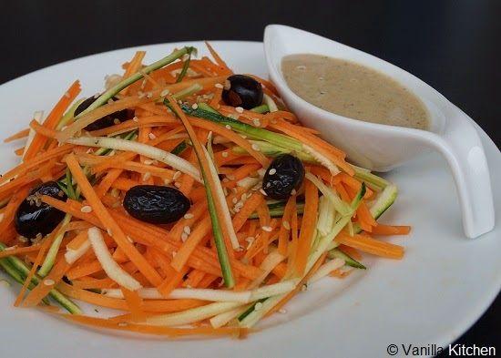 No plain vanilla kitchen: Tahini-Salatdressing