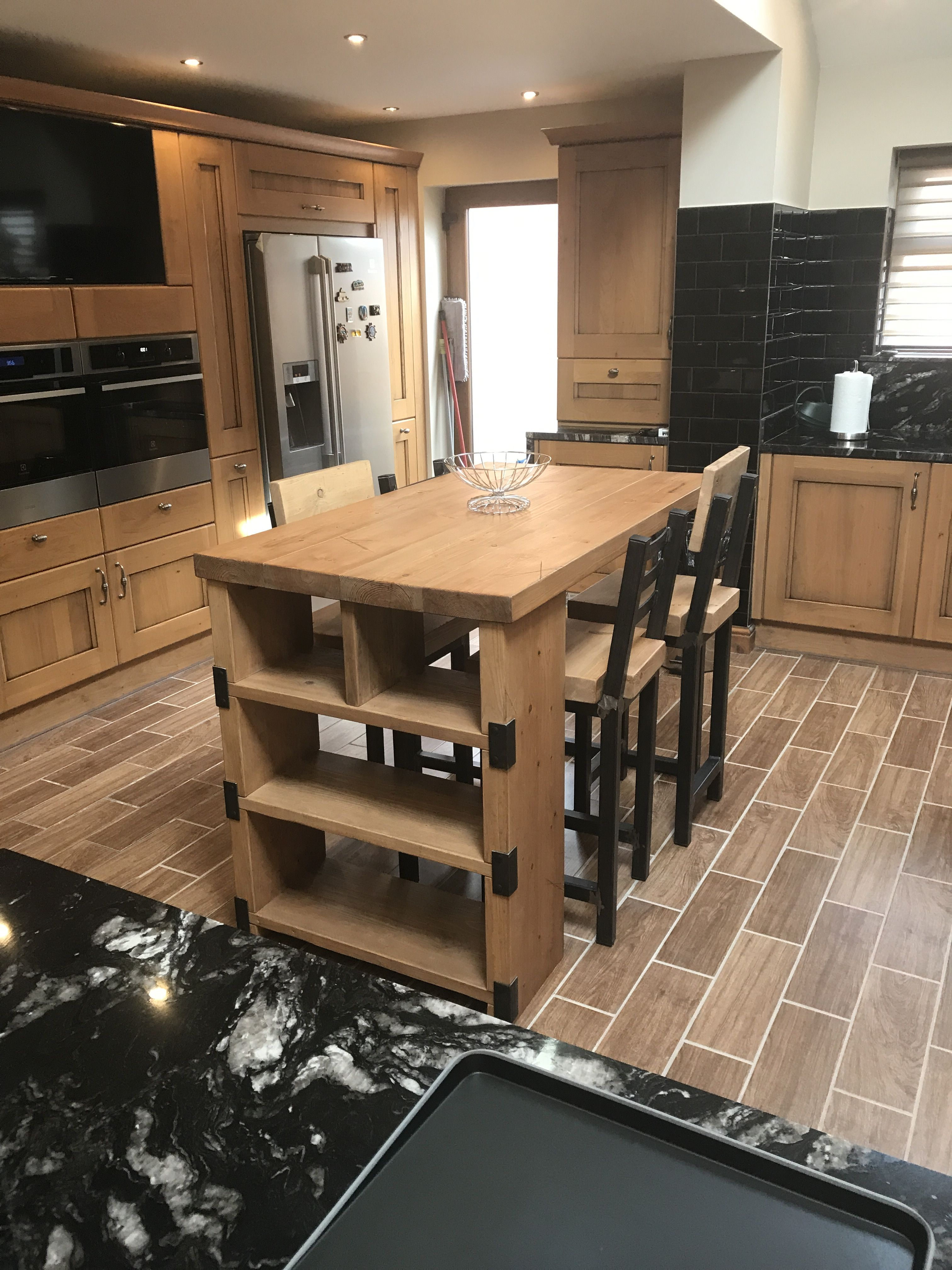 industrial style kitchen island and stools - www.reclaimedbespoke