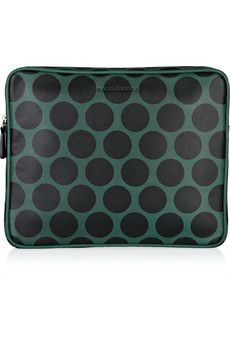 passing time in flight by online shopping, as usual. here's an adorbs @marcjacobsintl ipad case!