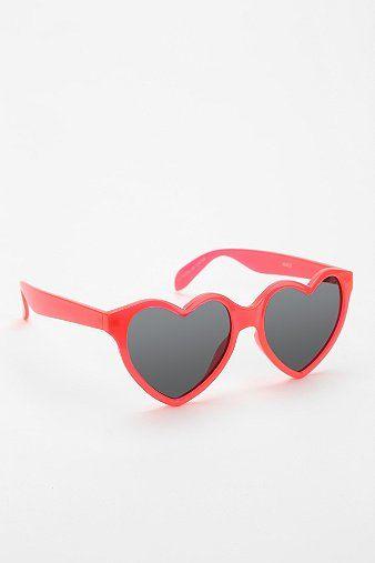 whippy cake » New Video Look Book Series – Closet Parade – Sunglasses