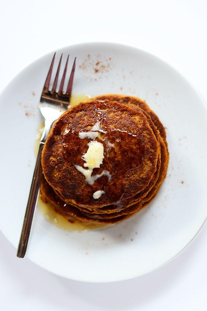Vegan Pumpkin Spice Pancakes   minimalistbaker.com #vegan