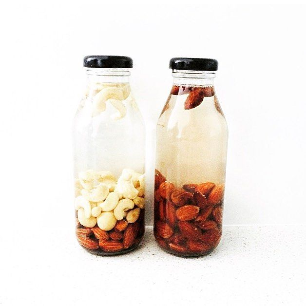 ➰ N U T S ➰  This is how many nuts we use in every bottle of Nut Mylk The one on the  is out pure Almond MYLK and the one on the  is the base MYLK, made with a combination of almonds, cashews and macadamias 〰 We love a thicker more nuttier nut mylk that you can just drink on its own 〰This is why we have chosen to use a higher quantity of nuts in each and every bottle✌️