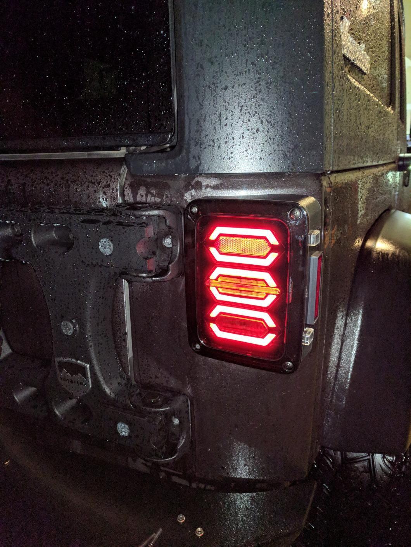 Raxiom Jeep Wrangler Led Tail Light J106751 07 18 Jeep Wrangler Jk Jeep Tail Lights Led Tail Lights Jeep Wrangler Accessories