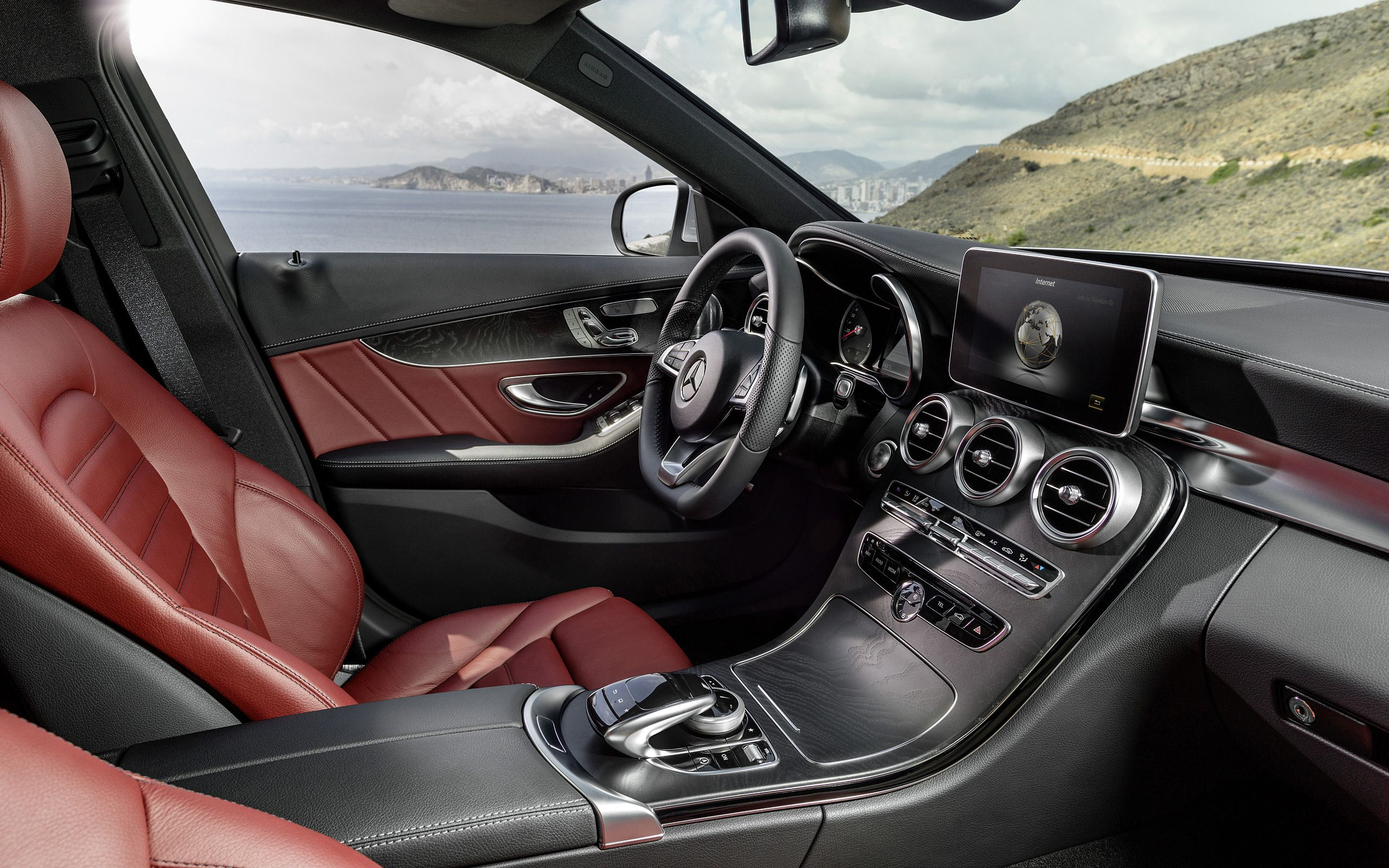 2015 Mercedes-Benz C-Class Interieur | Commands | Pinterest