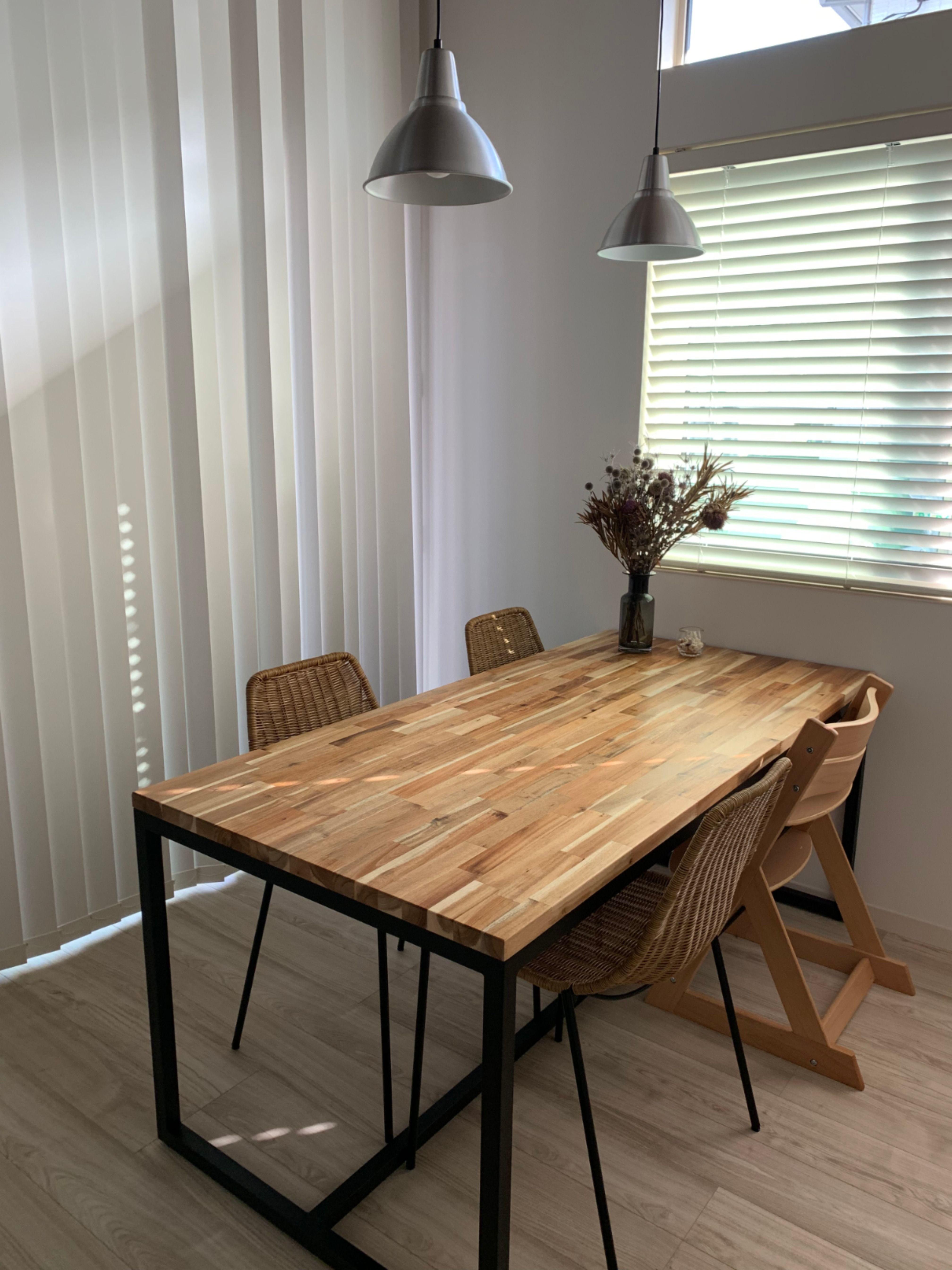アカシアのダイニングテーブル インテリア 家具 ダイニングテーブル Diy テーブル